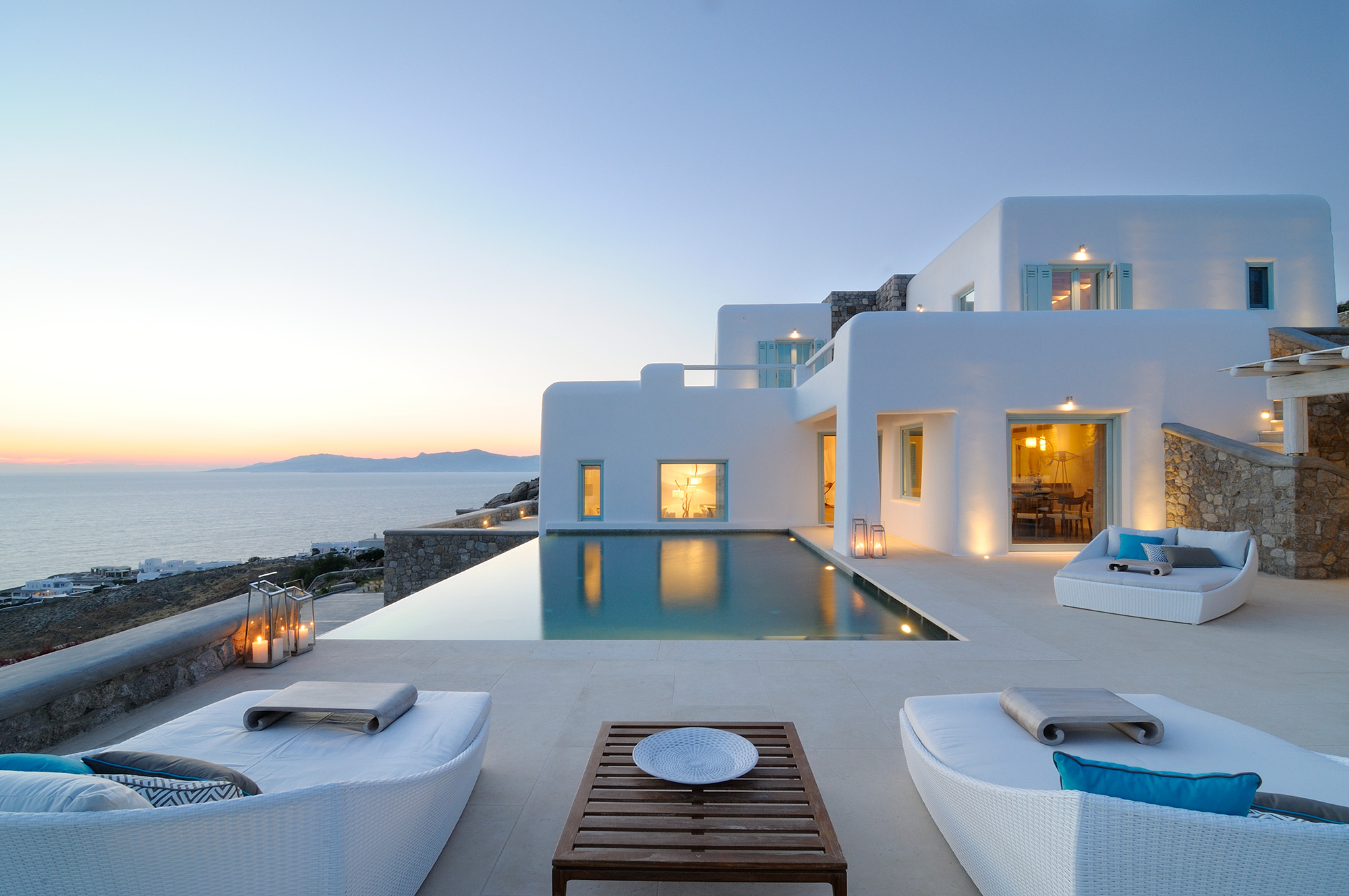 greek home with infinity pool